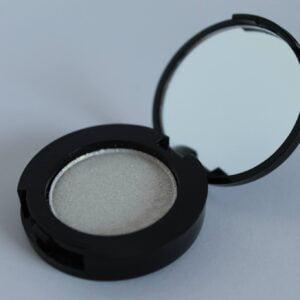 Glittery White parfumefri parabenfri oejenskygge fast mineral mineral makeup